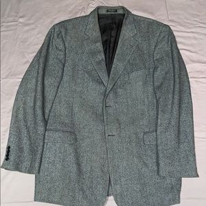 Men's grey and black herringbone sports coat